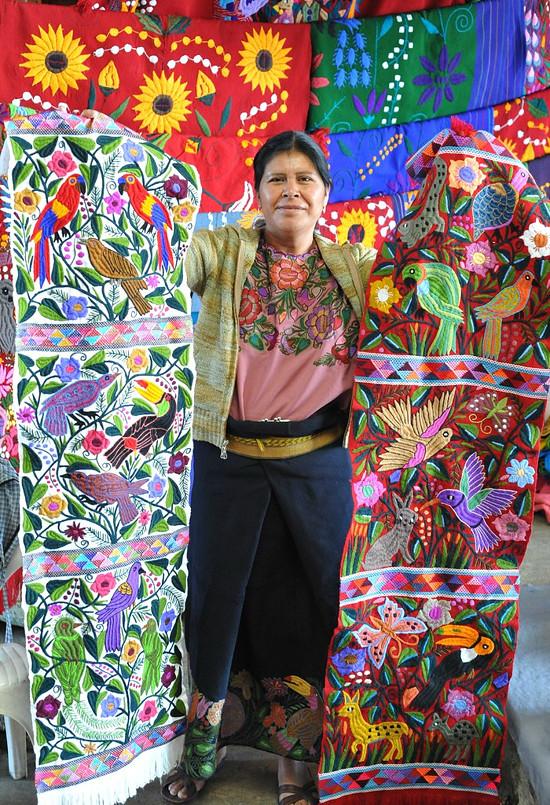 Žena na trhu v Chiapas.