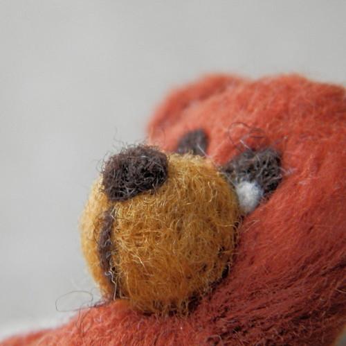 Medvídek-brož