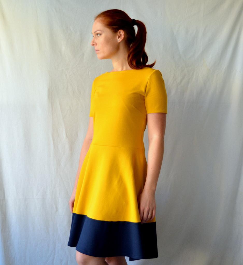 Okrové úpletové šaty   Zboží prodejce Petrushe  b5ff3ba632