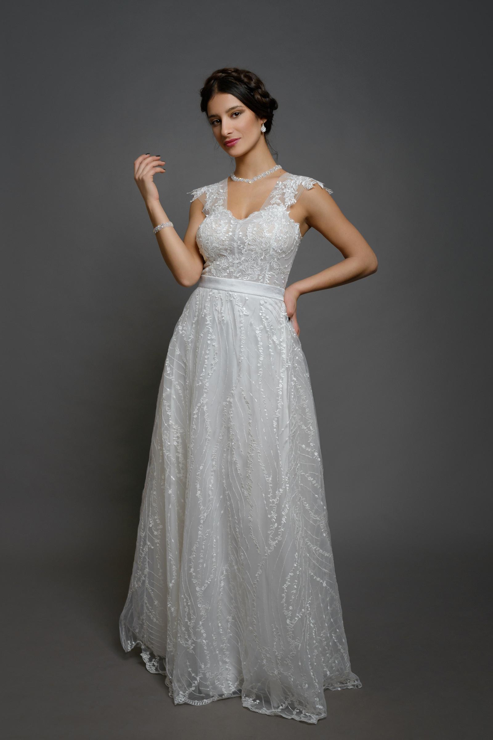 823fa4ae3ebf Svatební šaty se srdečním korzetem a bohatou tylov   Zboží prodejce ...