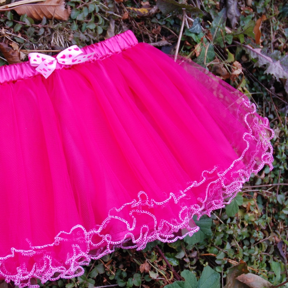 685a03b84 Sytě růžová tylová sukně s lemováním - dětská / Zboží prodejce ...