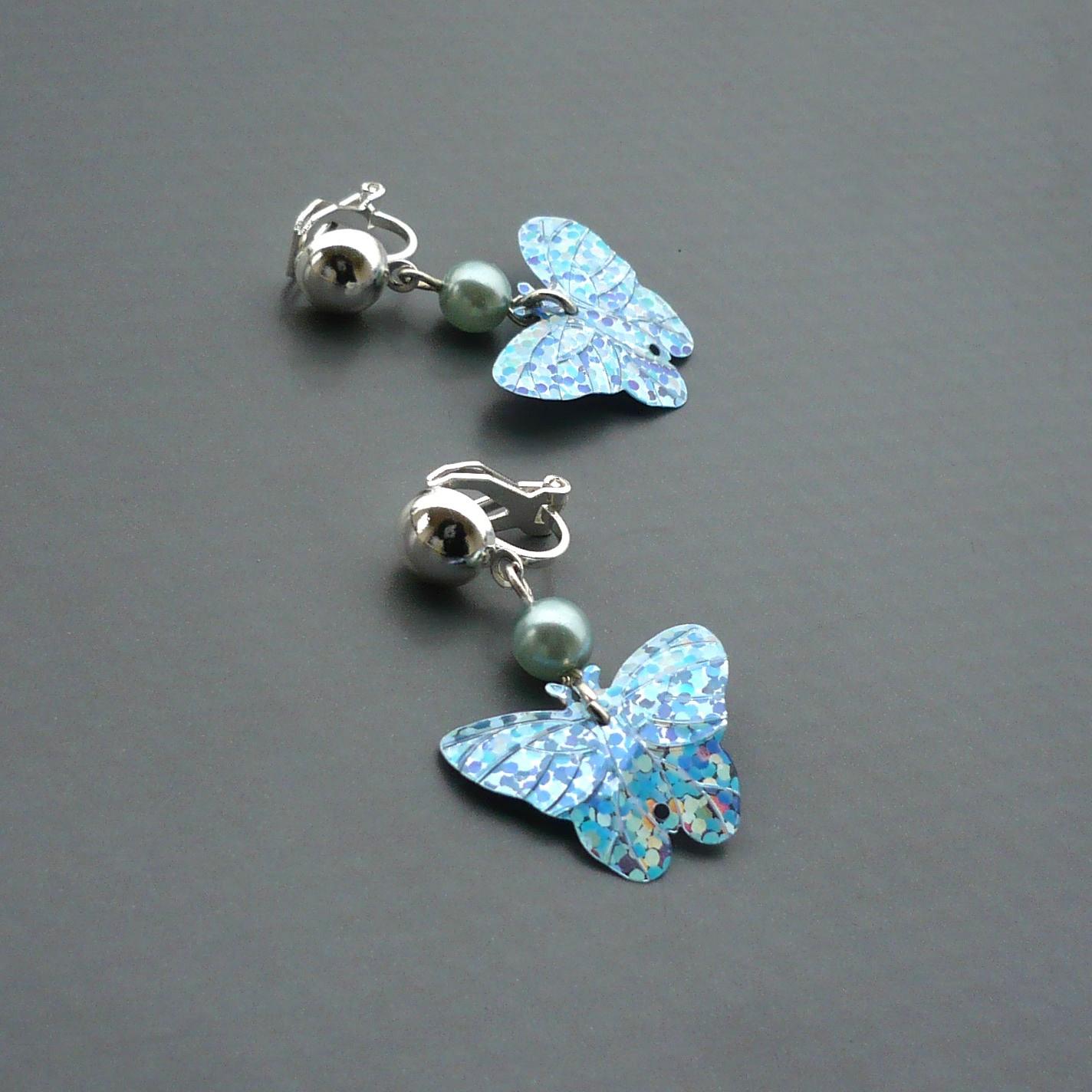 Světle modré motýlkové náušnice - klipsy   Zboží prodejce kakafuna ... 8302d491eab