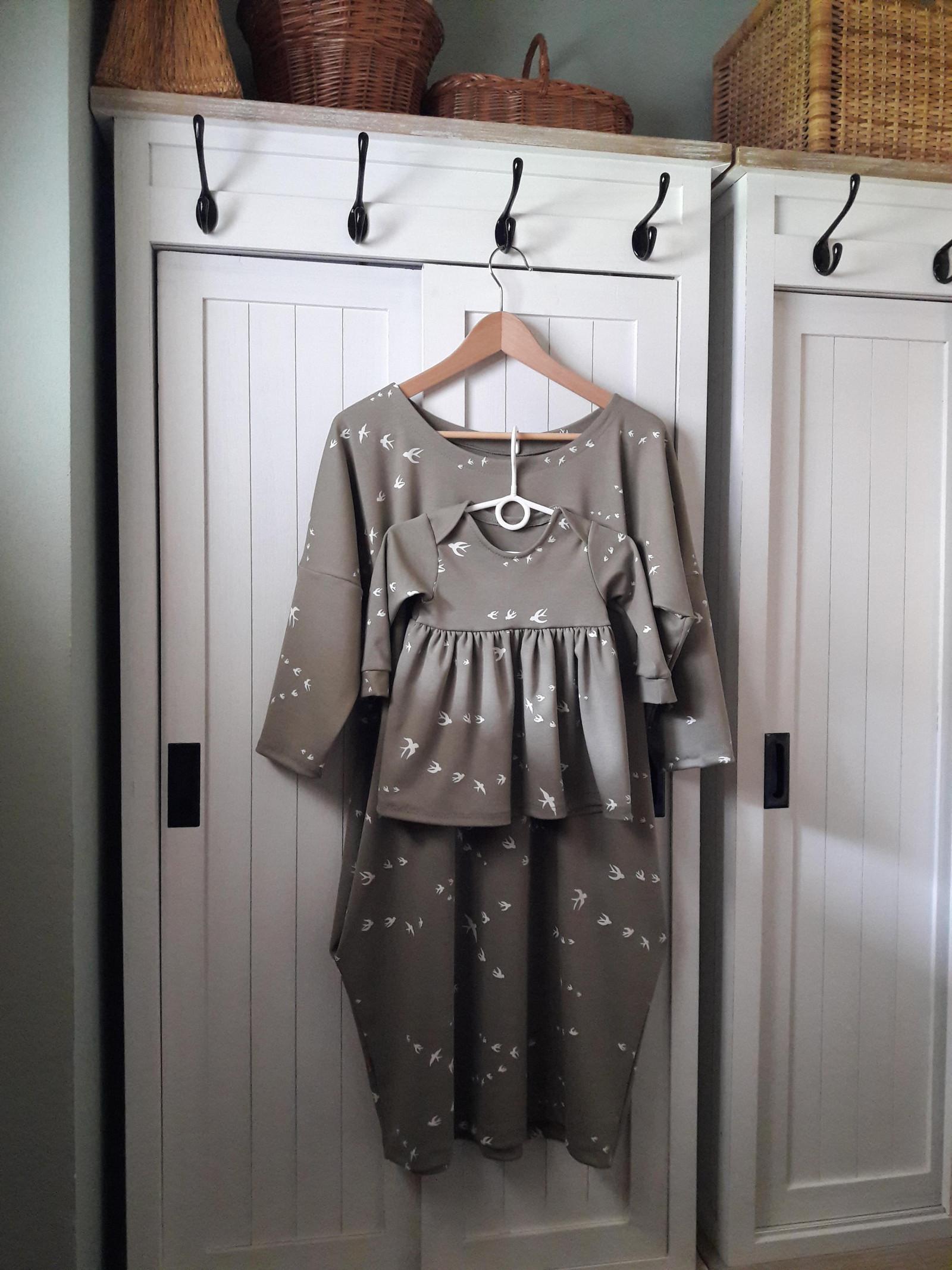 c22b4818447c Dámské šaty s kapsami