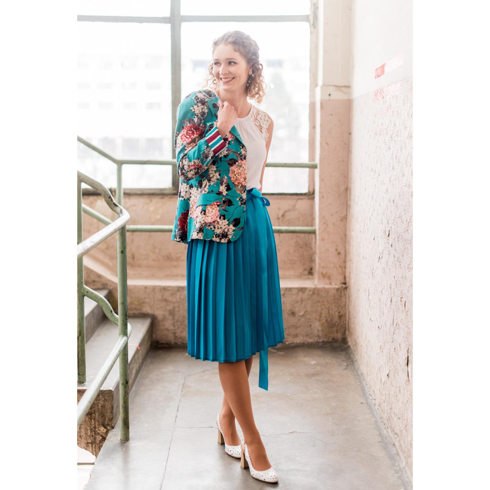 b7c1e05e092b Tyrkysová plisovaná sukně   Zboží prodejce Princezna Pampeliška ...