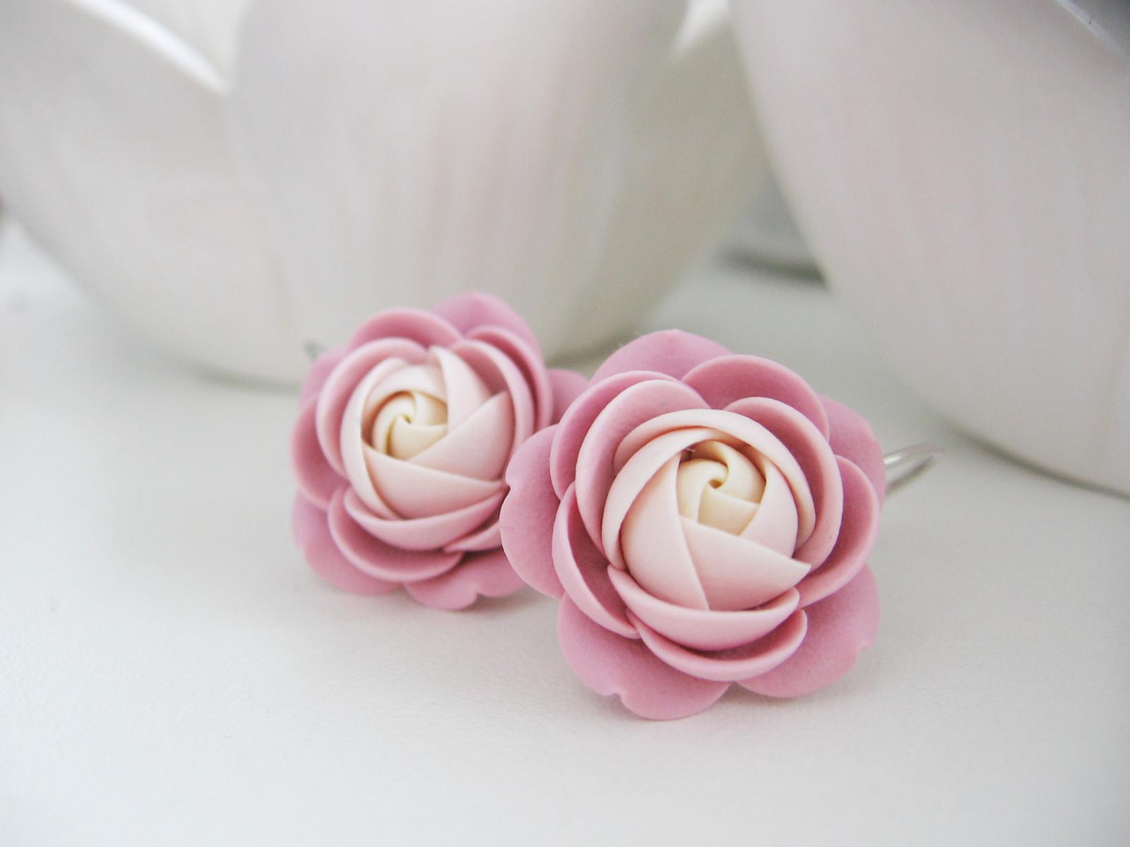 Nude rose, visací náušnice. Pouze jeden pár / Zboží