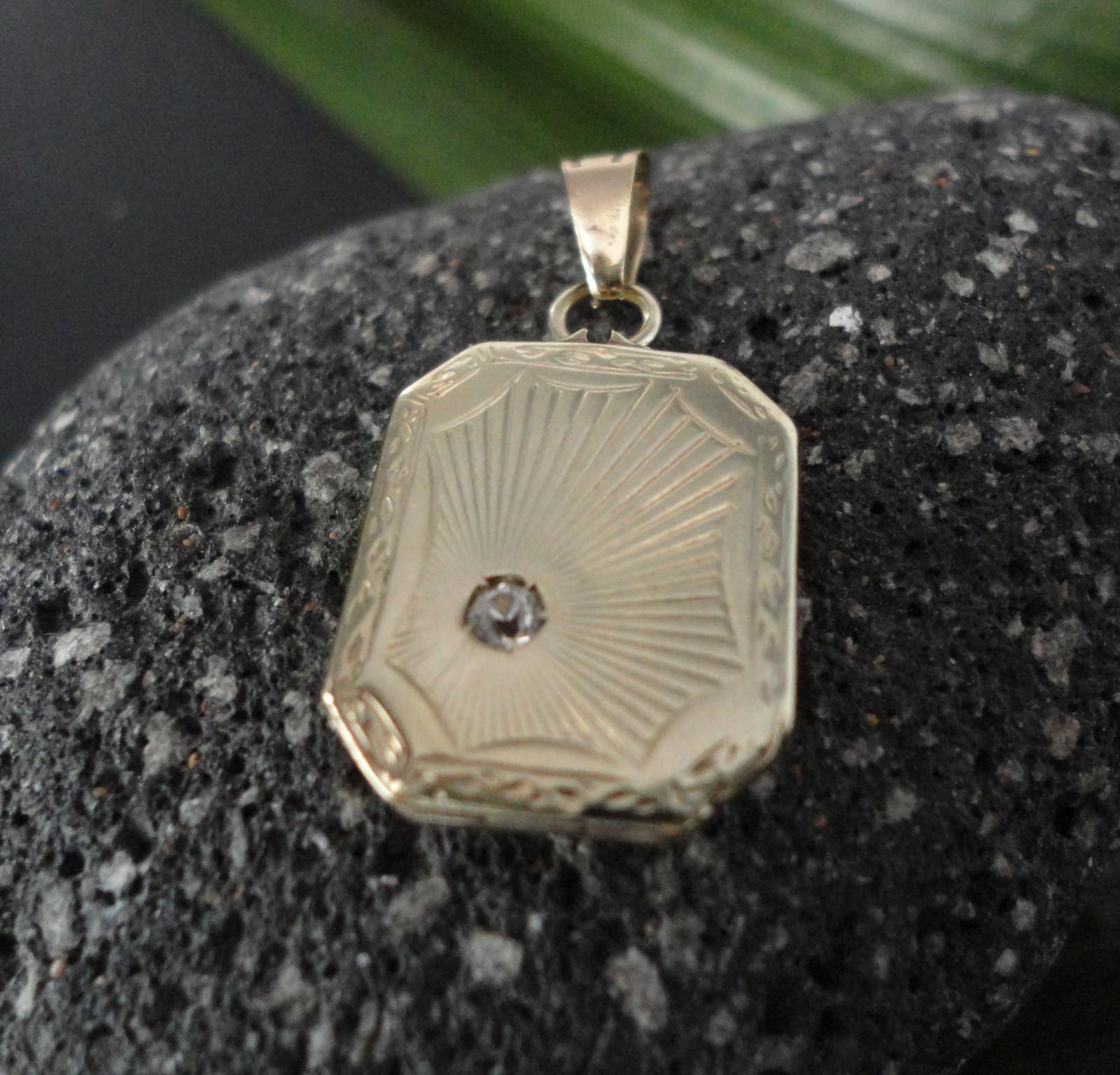 Art Deco.- zlatý medailon se safírem   Zboží prodejce webgold  48d3e008e5d