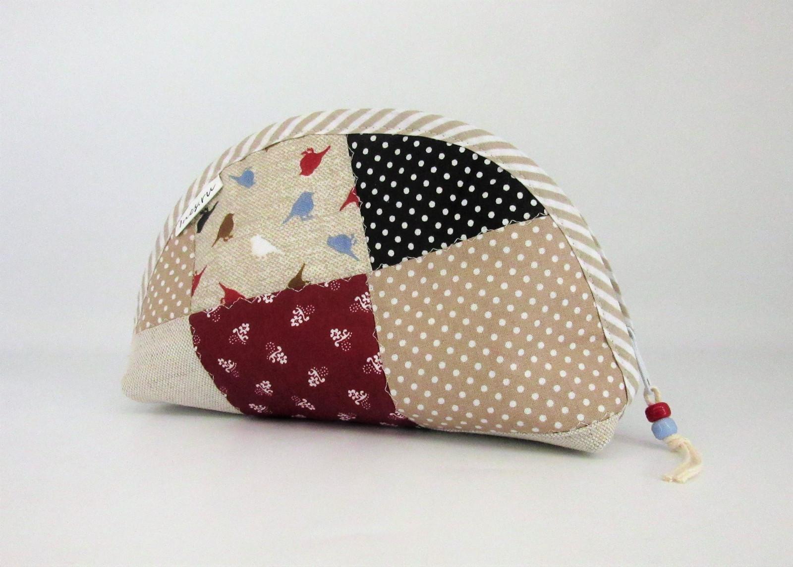 a1e2830e7b Kozmetická taštička patchwork s vtáčikmi   Zboží prodejce Ines.ru ...