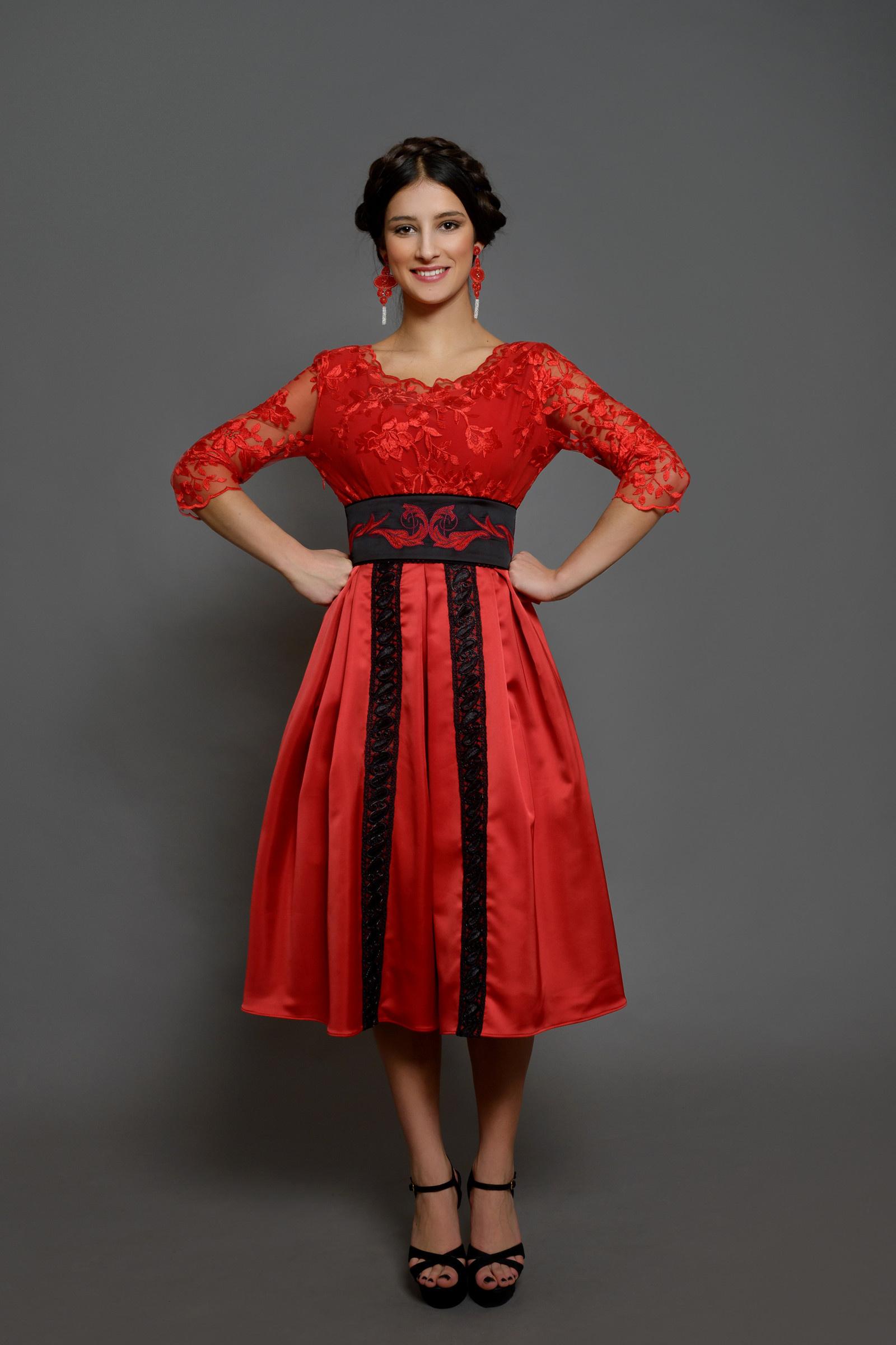 395d767cf9bc Společenské šaty ve folk moderním stylu různé barv   Zboží prodejce ...