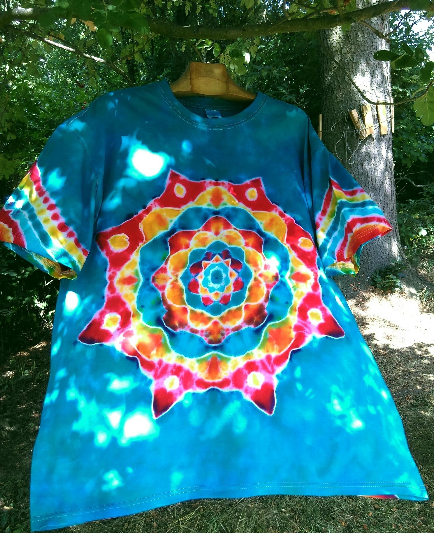 f9a9c6665cf8 Batikované tričko - Jedu na tyrkysové vlně   Zboží prodejce Happy ...