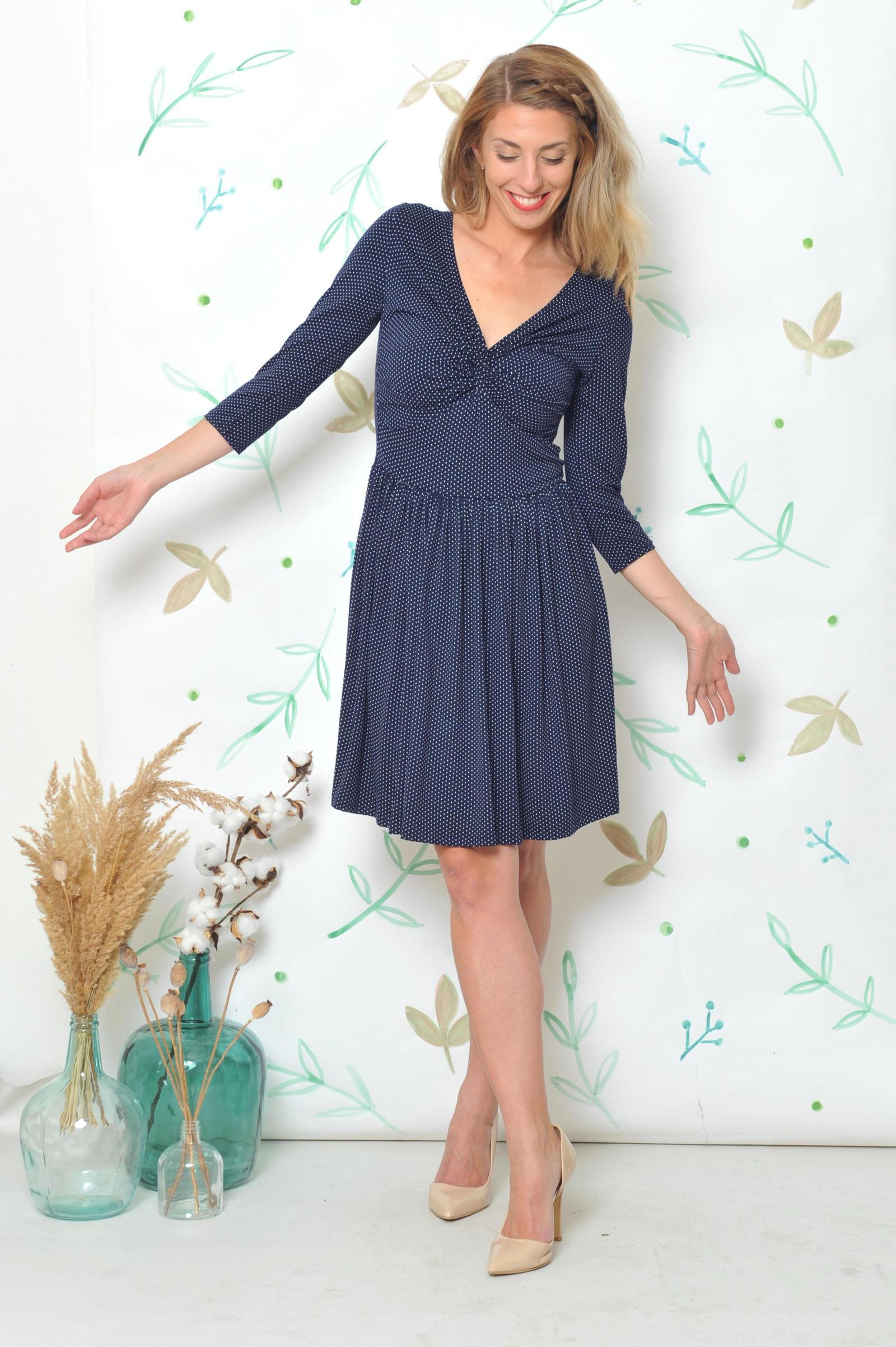 Krátké šaty Anett Princess - puntík 9c4117d4a6