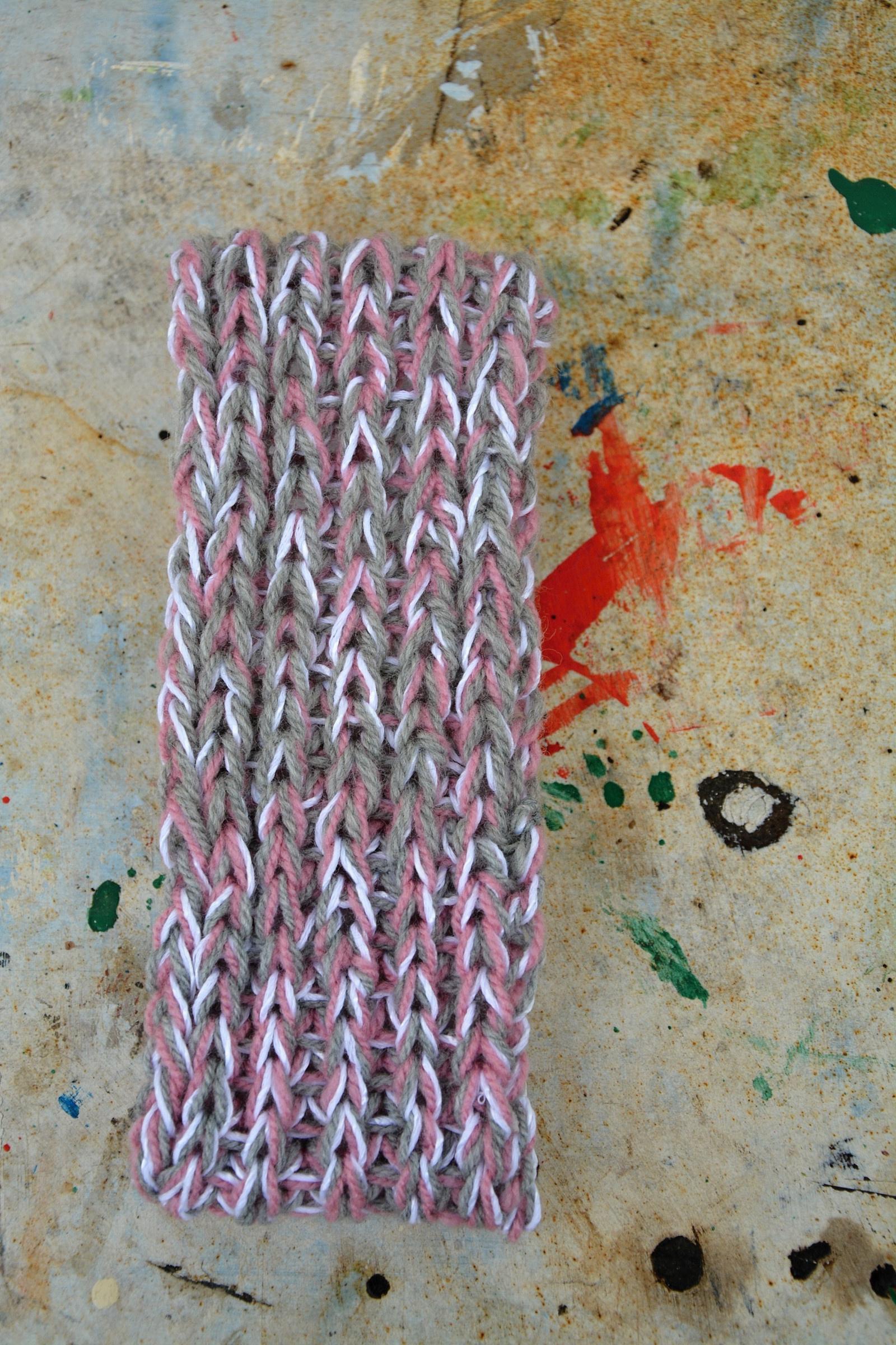 88a9f5723f4 Pletená čelenka s copy -růžový melír   Zboží prodejce Švambi74