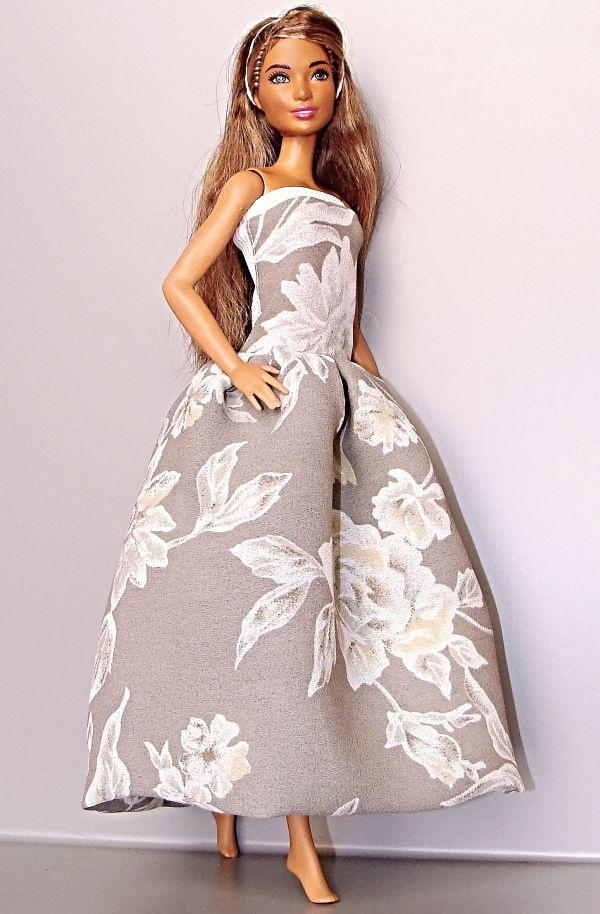 9deea1a7c280 Barbie - Dlouhé šaty v barvě bílé kávy   Zboží prodejce pipipu