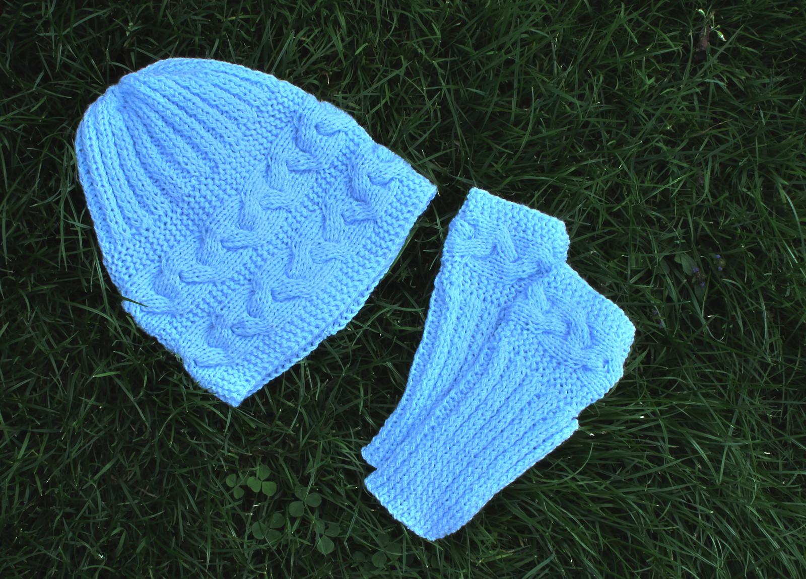 fc9dba3c00f Čepice + návleky na ruce - komplet   Zboží prodejce ruční pletení ...