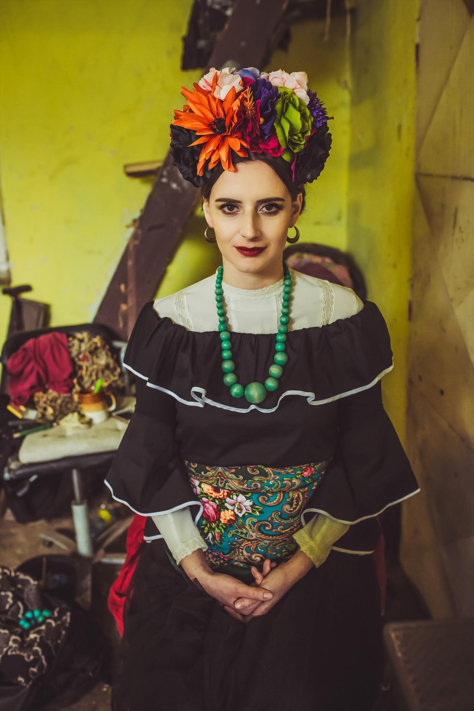 bd3f090199f Exotická květinová čelenka Frida Kahlo   Zboží prodejce Čarbičková ...