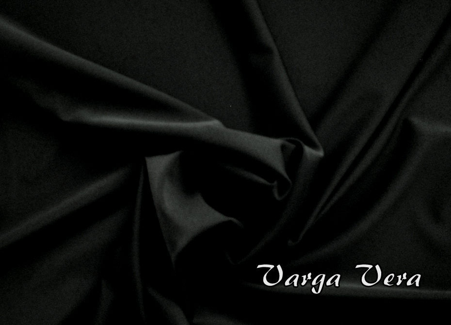 9520cba7d0ce Plavkovina černá s leskem   Zboží prodejce VargaVera