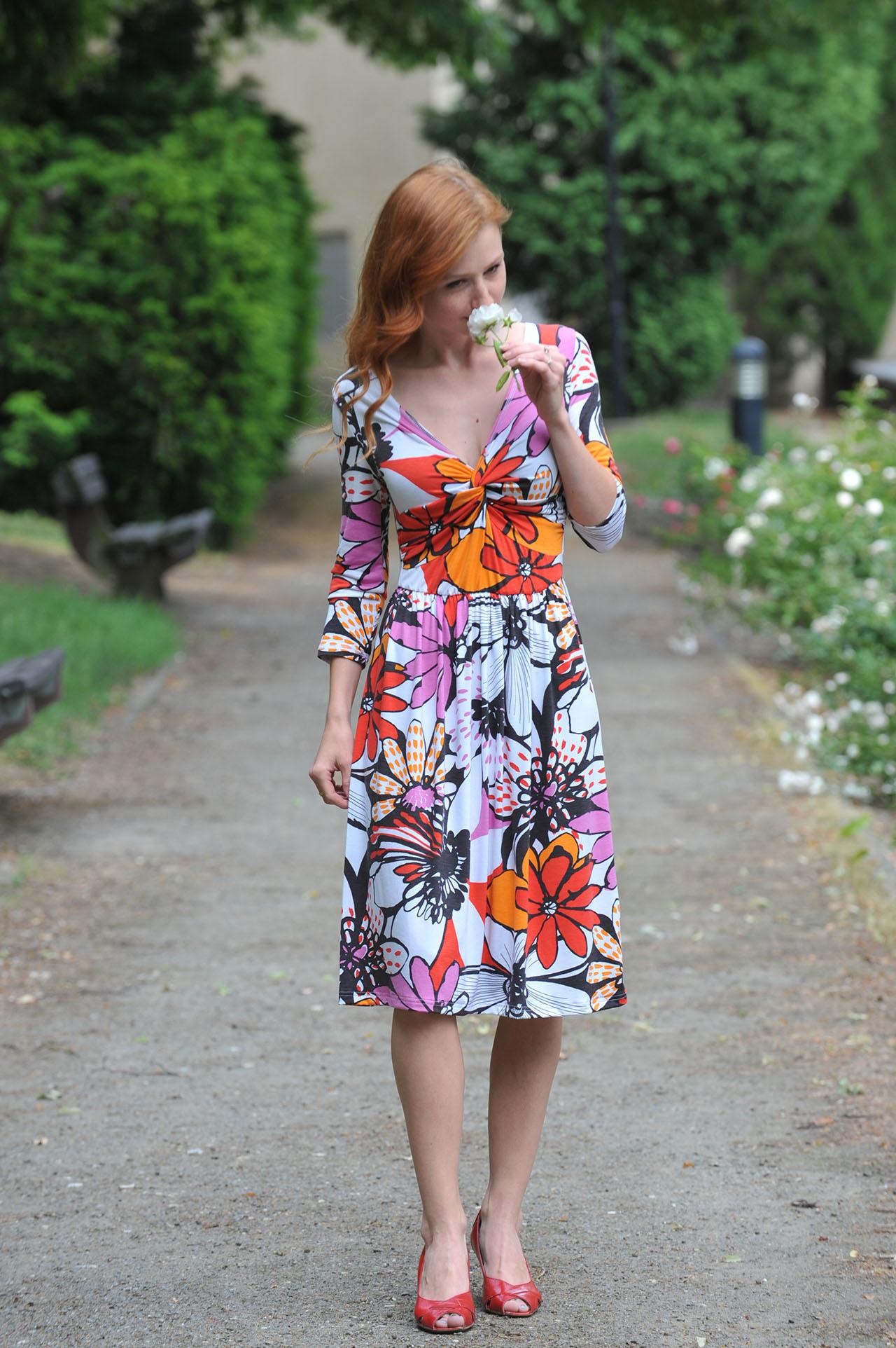 Krátké šaty Anett Princess - Picasso 4e0a3fde9b