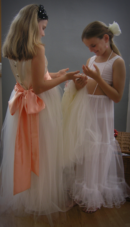 3892a29d6 šaty pro družičku s lososovou mašlí a spodničkou / Zboží prodejce ...