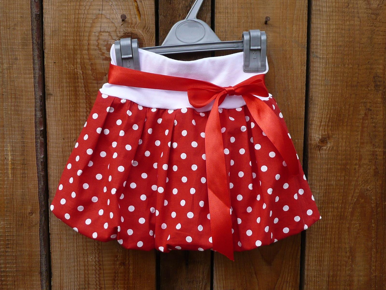 595f3c05cbf1 Dívčí balónová sukně - puntík červený střední (vel. 86 - 116)   Zboží  prodejce kimi.kucerova