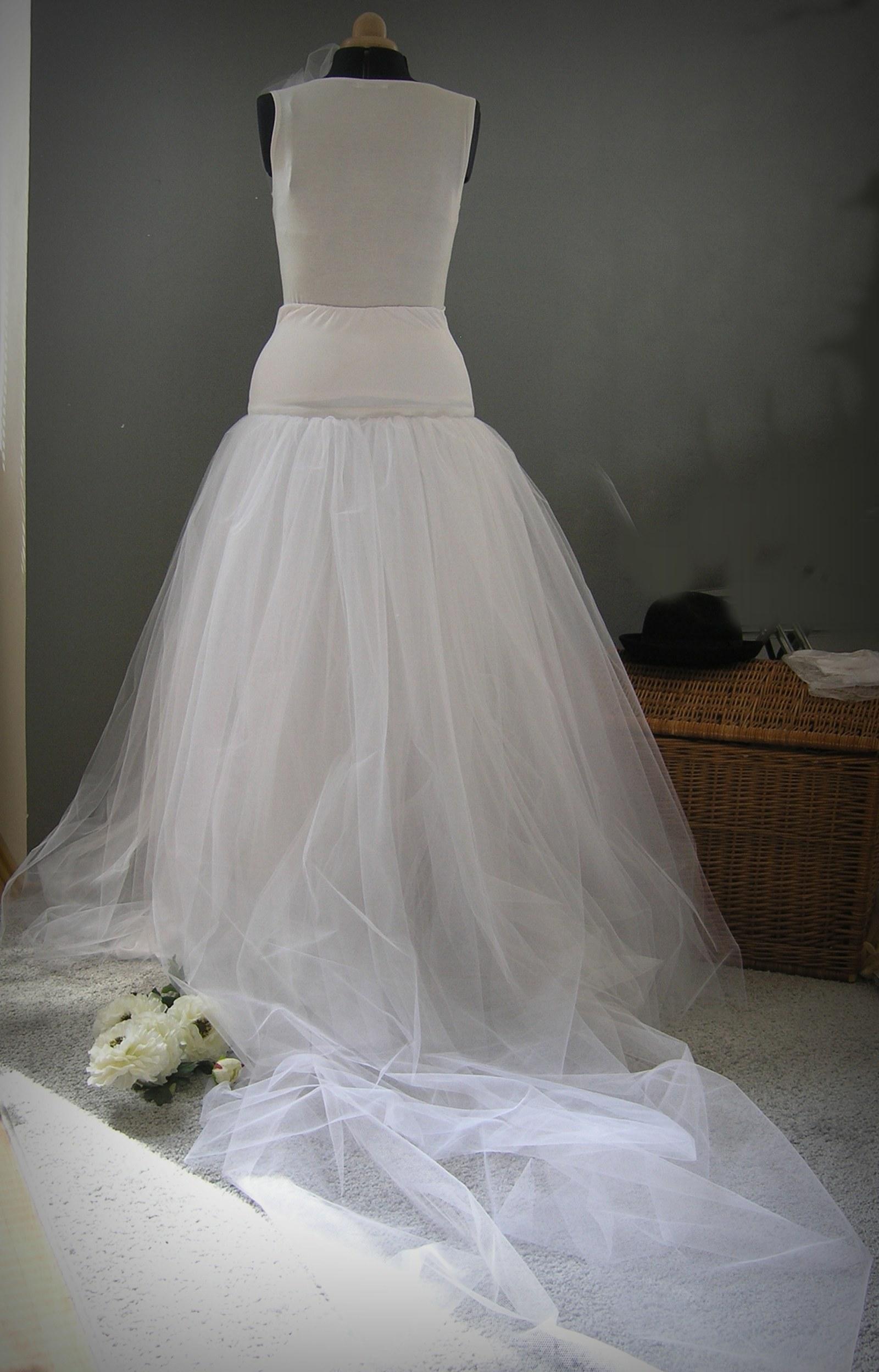 efe13e7ffb6 Svatební bohatá s vlečkou - na přání   Zboží prodejce ceasara