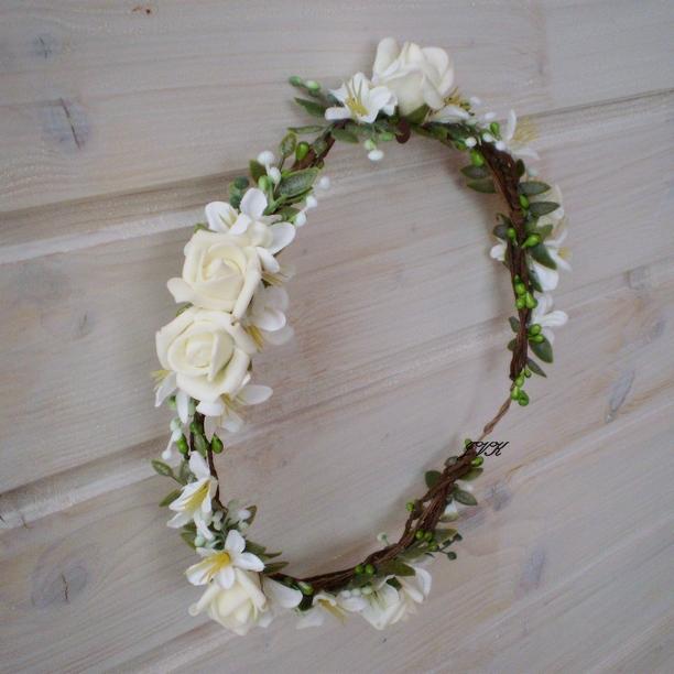 Věneček do vlasů Camila   Zboží prodejce Bereniké Flowers  70754ca636