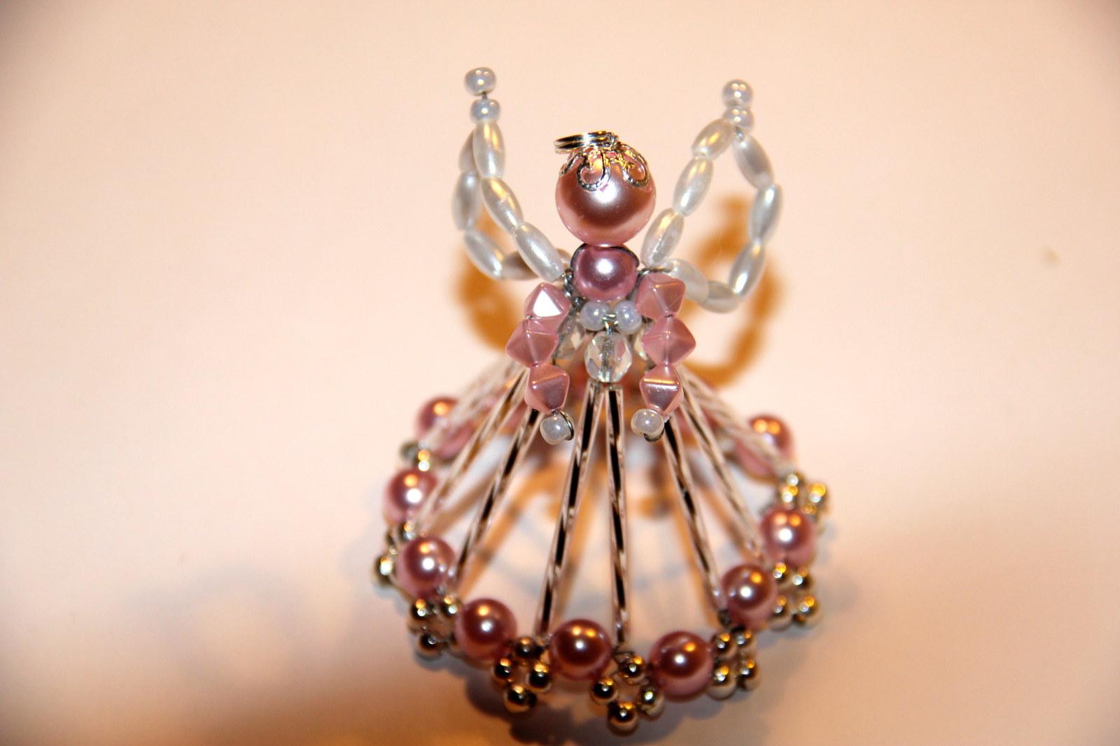Korálkový andělíček   Zboží prodejce JaGafashion  ae86bf2e99