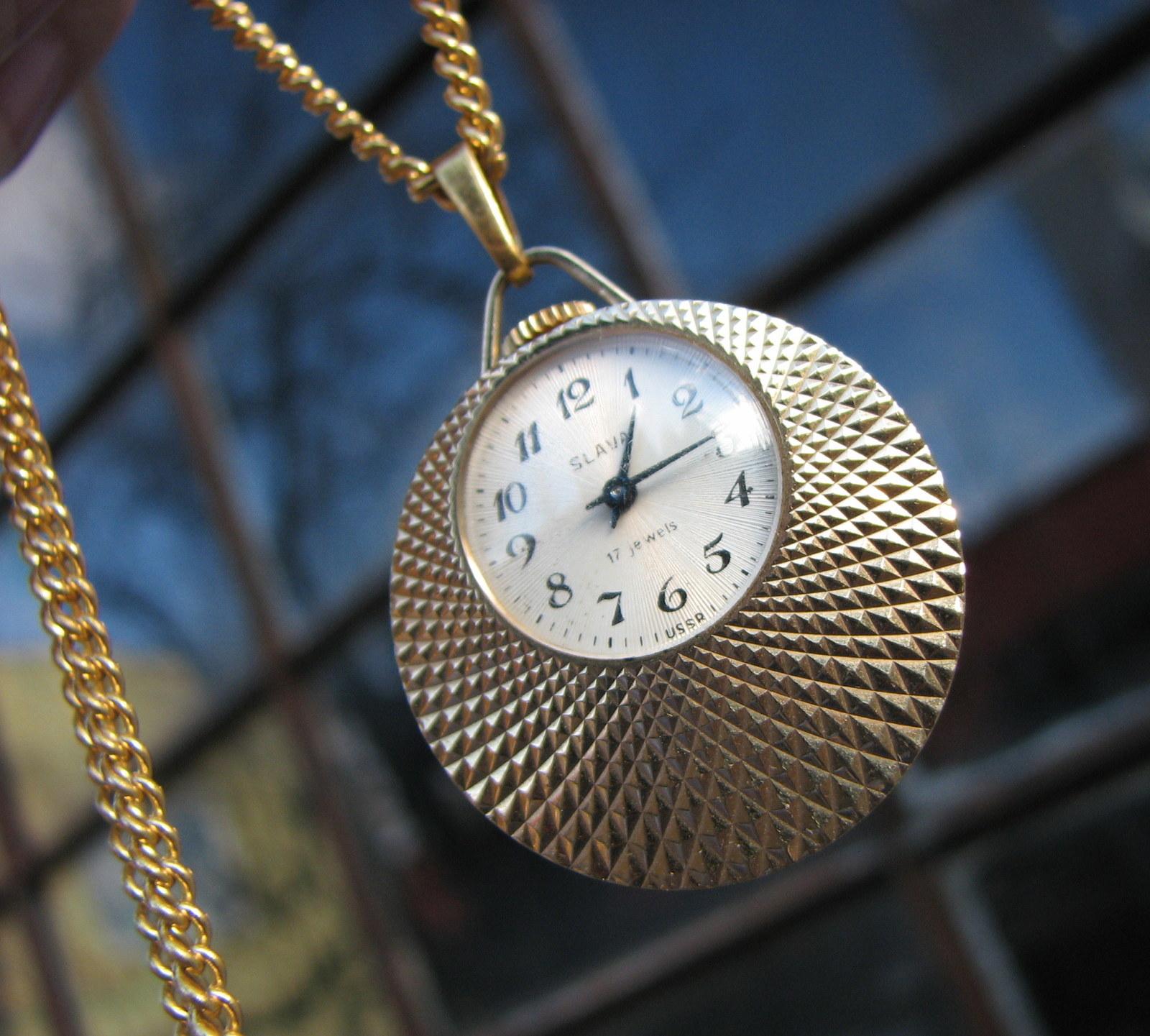 Tvůj čas...hodinky Slava d60c9368ff0