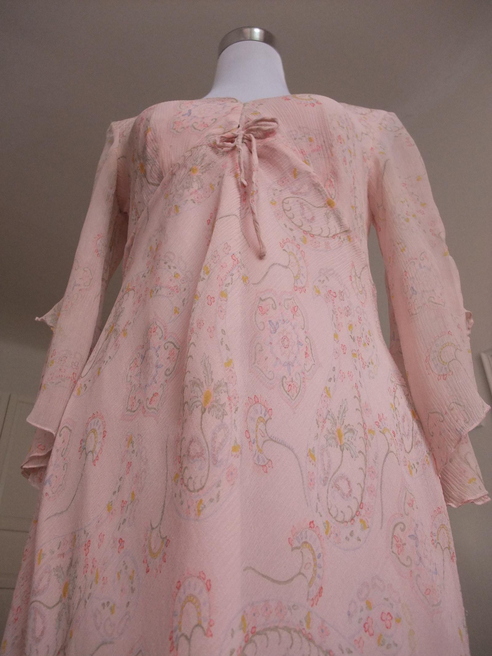 91244430d29f Luxusní HEDVÁBNÉ šaty vel. 40 42 - nádherný vzor   Zboží prodejce ...