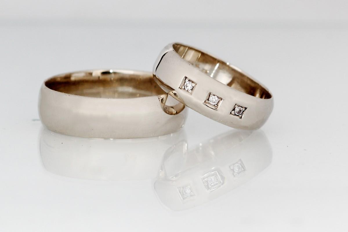 Snubni Prsteny S Diamanty Zlato Au 585 1000 Zbozi Prodejce Evei