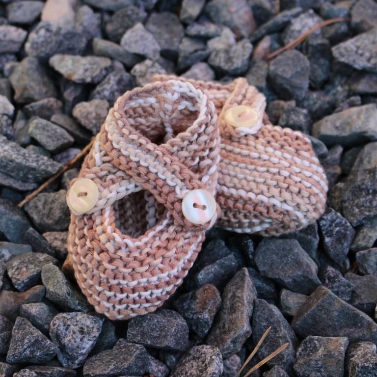 7baba80de0f7 Pletené capáčky pro miminko z BAMBUSU   Zboží prodejce sophie