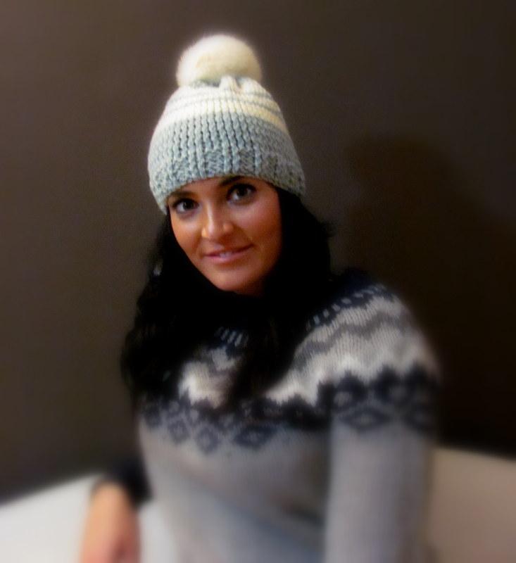 d8c7ec088c8 Dámská zimní čepice s kožešinovou bambulí   Zboží prodejce ...