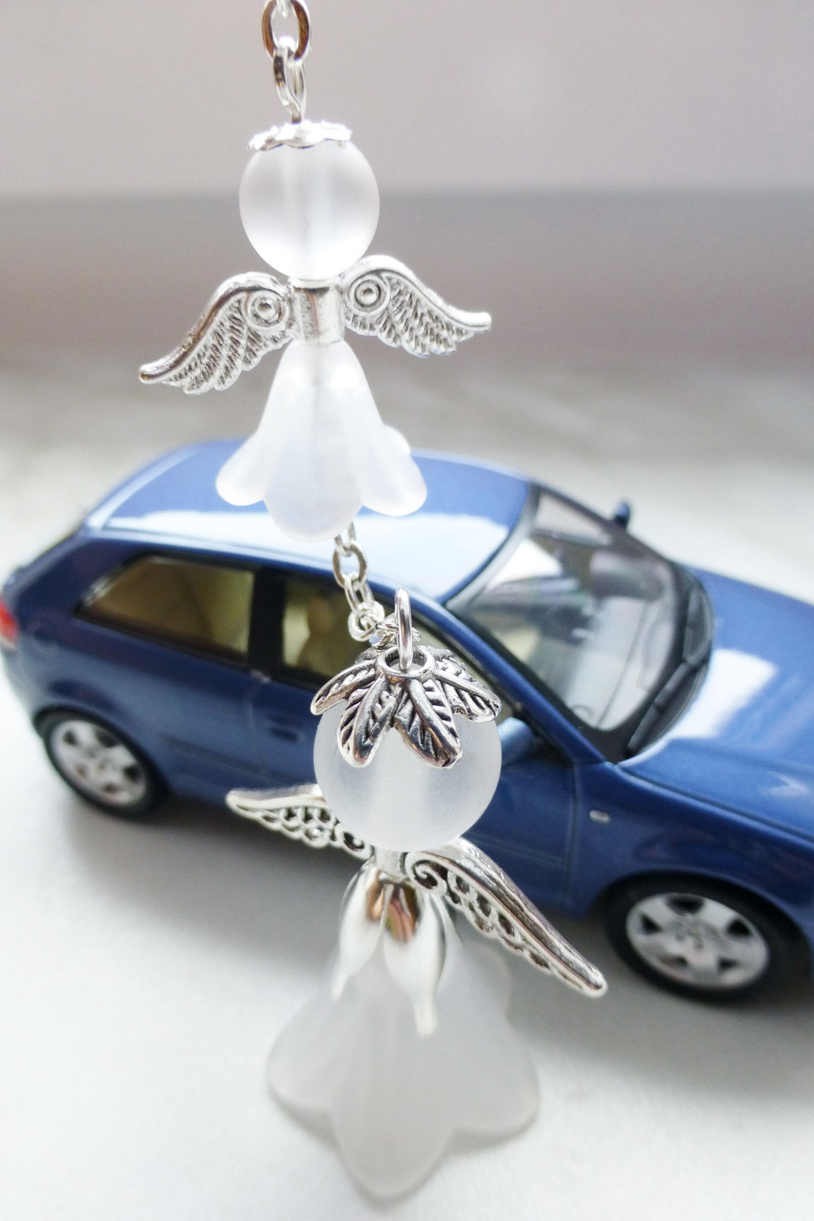 Přívěsek na zrcátko do auta - dvojice andílků   Zboží prodejce Fajka ... 3c78f3b9275