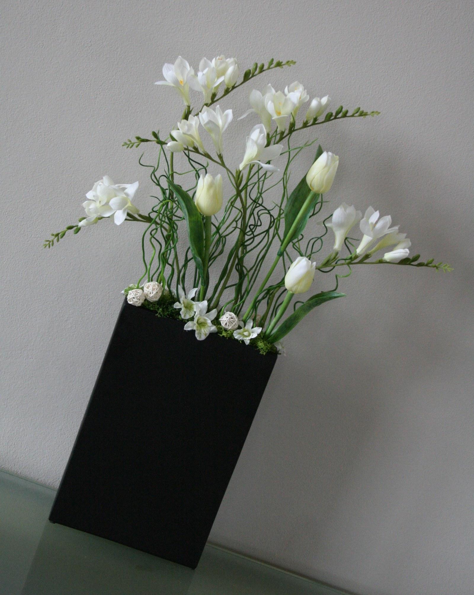 Dekorace S Freziemi Tulipany A Orchidejemi Zbozi Prodejce Jircice