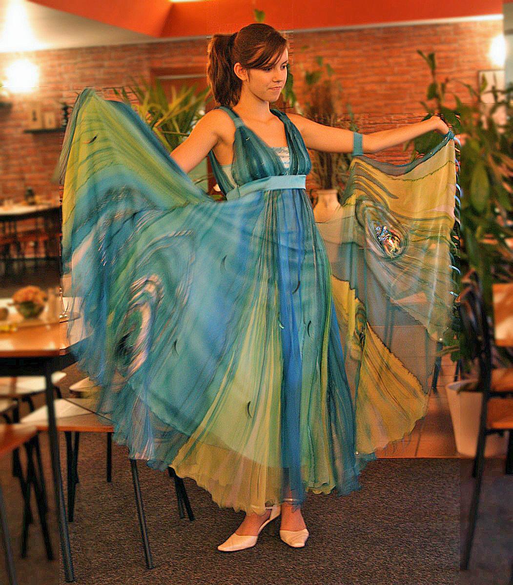 Společenské hedvábné taneční šaty   Zboží prodejce Radka Zrůstková ... adec2bd38a