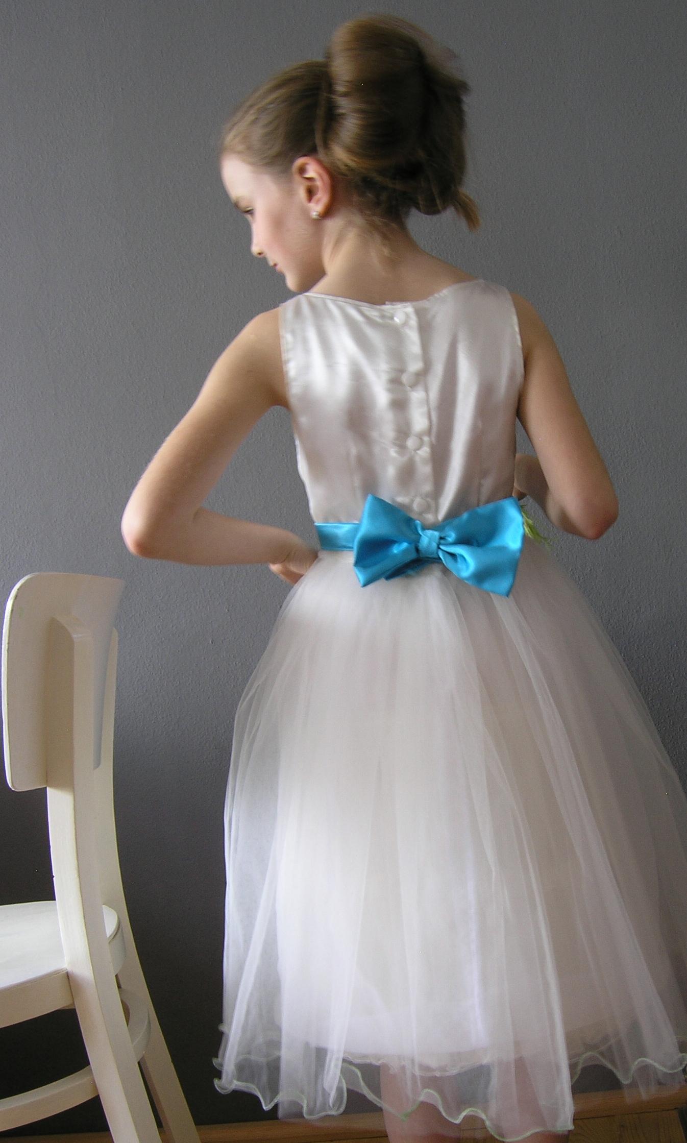 f521b1f0ea6b Šaty pro družičku s malou mašlí... vel 133-146   Zboží prodejce ...