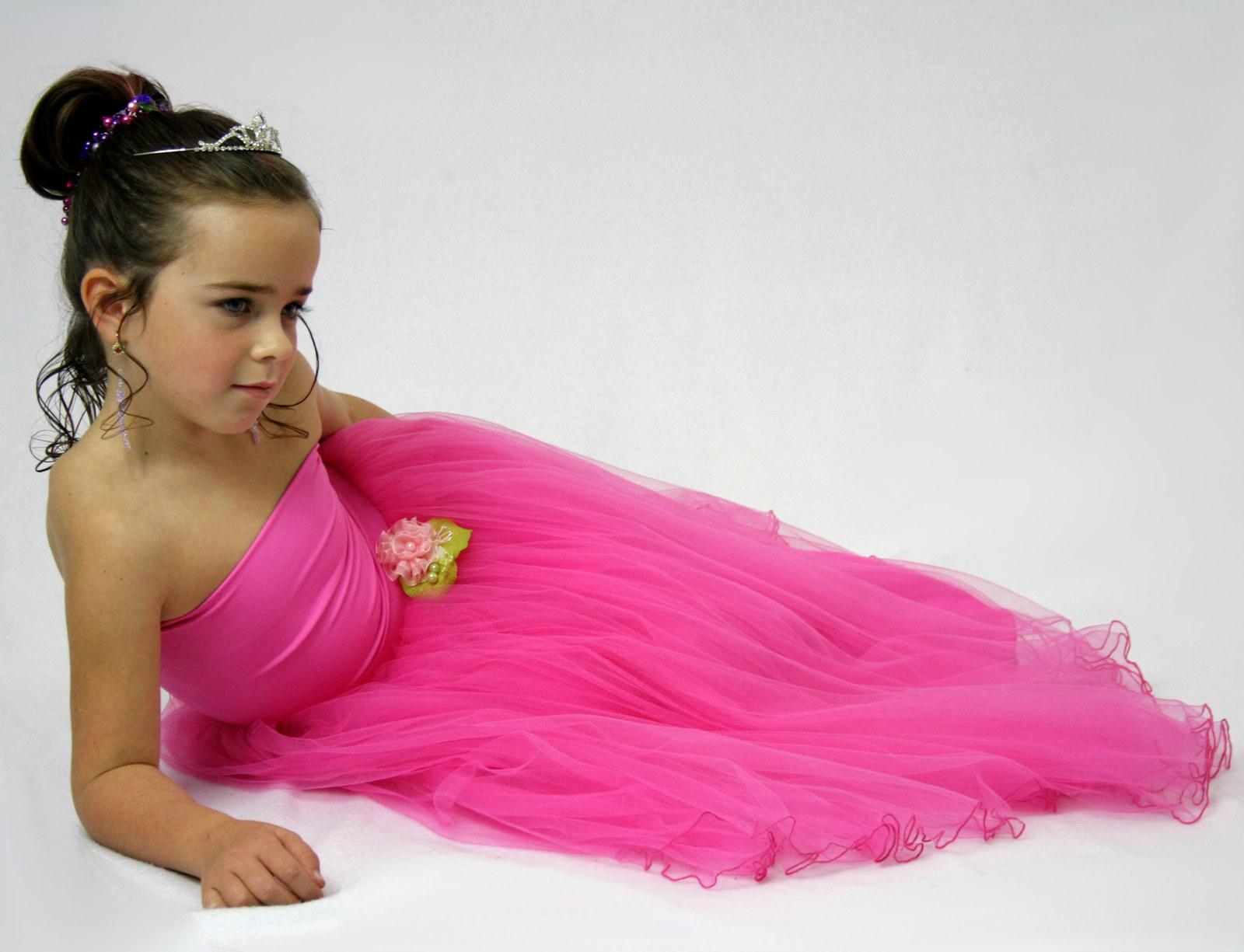 Princezna Růžička (tylové šaty) (délka sukně 70 cm)   Zboží prodejce  Debonaire  7009c6a06a