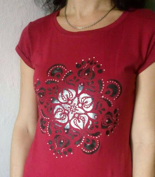 a07b54ba553b Tričko   Red Mandala     Zboží prodejce BatikDesign