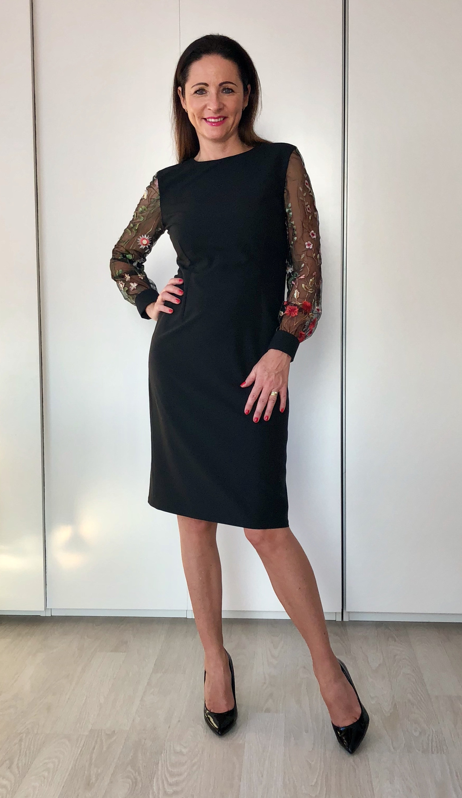 Malé černé s krajkovými rukávy   Zboží prodejce by andrea  64490d5c45