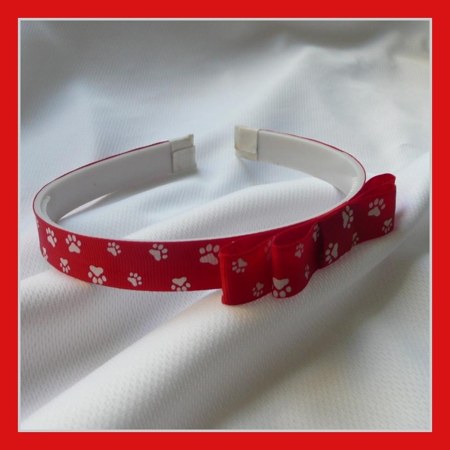 4d34ddf9353 Široká červená čelenka s tlapičkami   Zboží prodejce Princezna ...