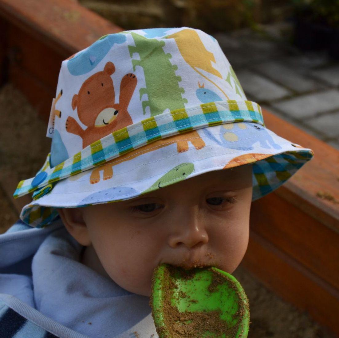 Střih a fotonávod - dětský klobouček   Zboží prodejce Mamas Hand ... e1d0d67088