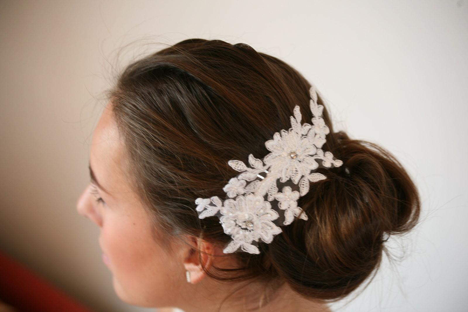Hřebínek do vlasů - Bella - bílá nebo smetanová   Zboží prodejce ... bf28aa4354