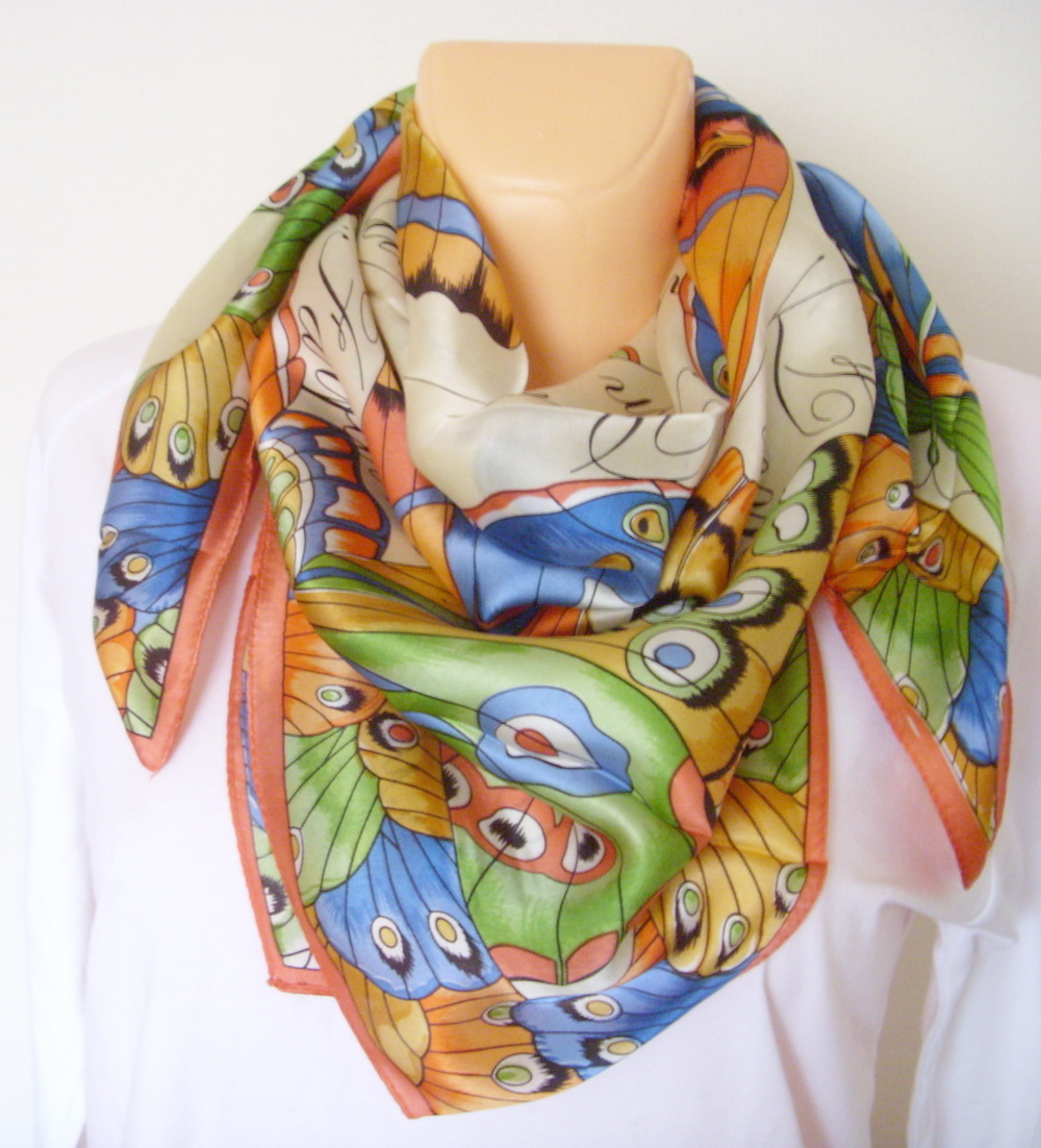 543c44390fc Velký hedvábný šátek----motýl   Zboží prodejce YSRC