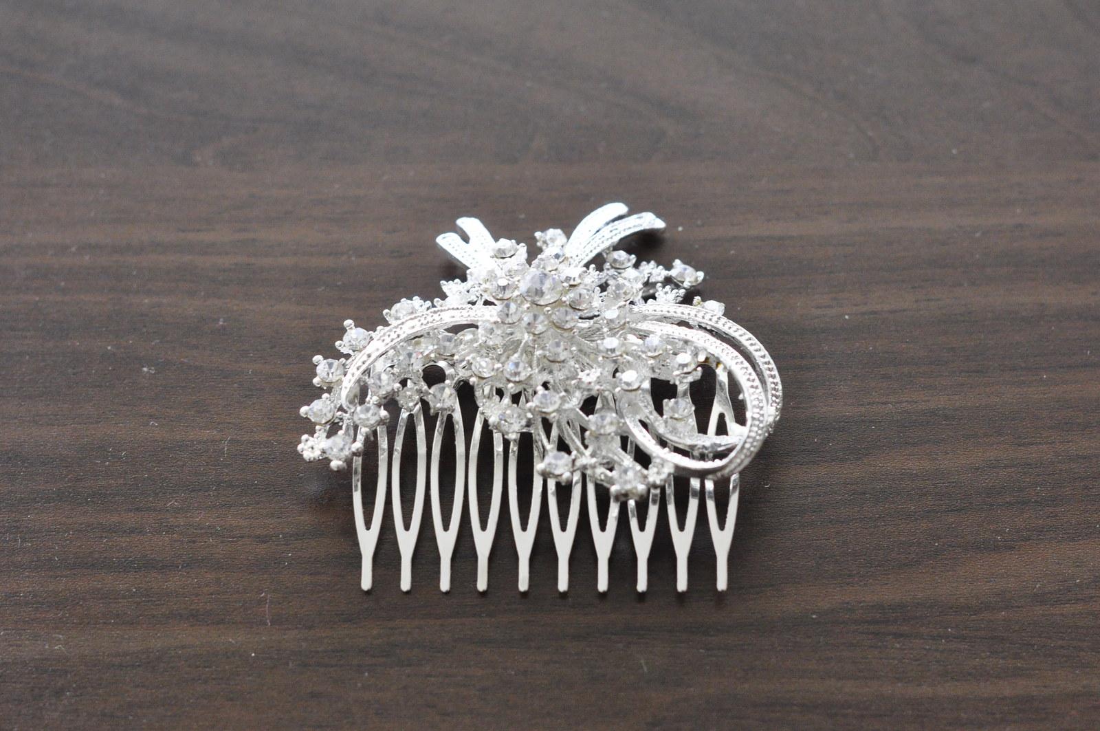 Štrasový hřebínek do vlasů   Zboží prodejce Fragile26  dcabb9434a