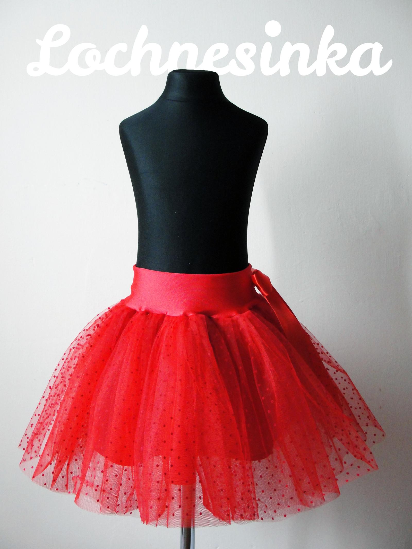 Tylová sukně červená puntíkovaná   Zboží prodejce Lochnesinka  628e3e8e67