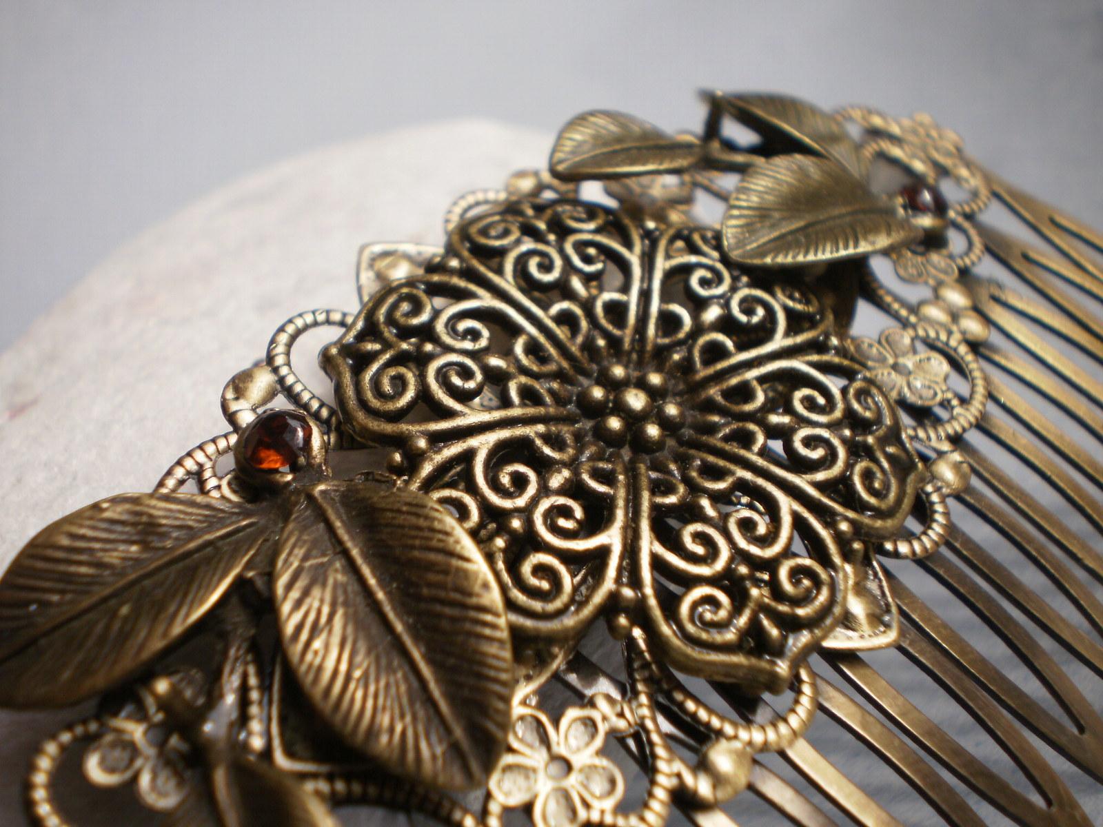 Vintage hřebínek do vlasů   Zboží prodejce Anna Beretta design  82a28b8d69