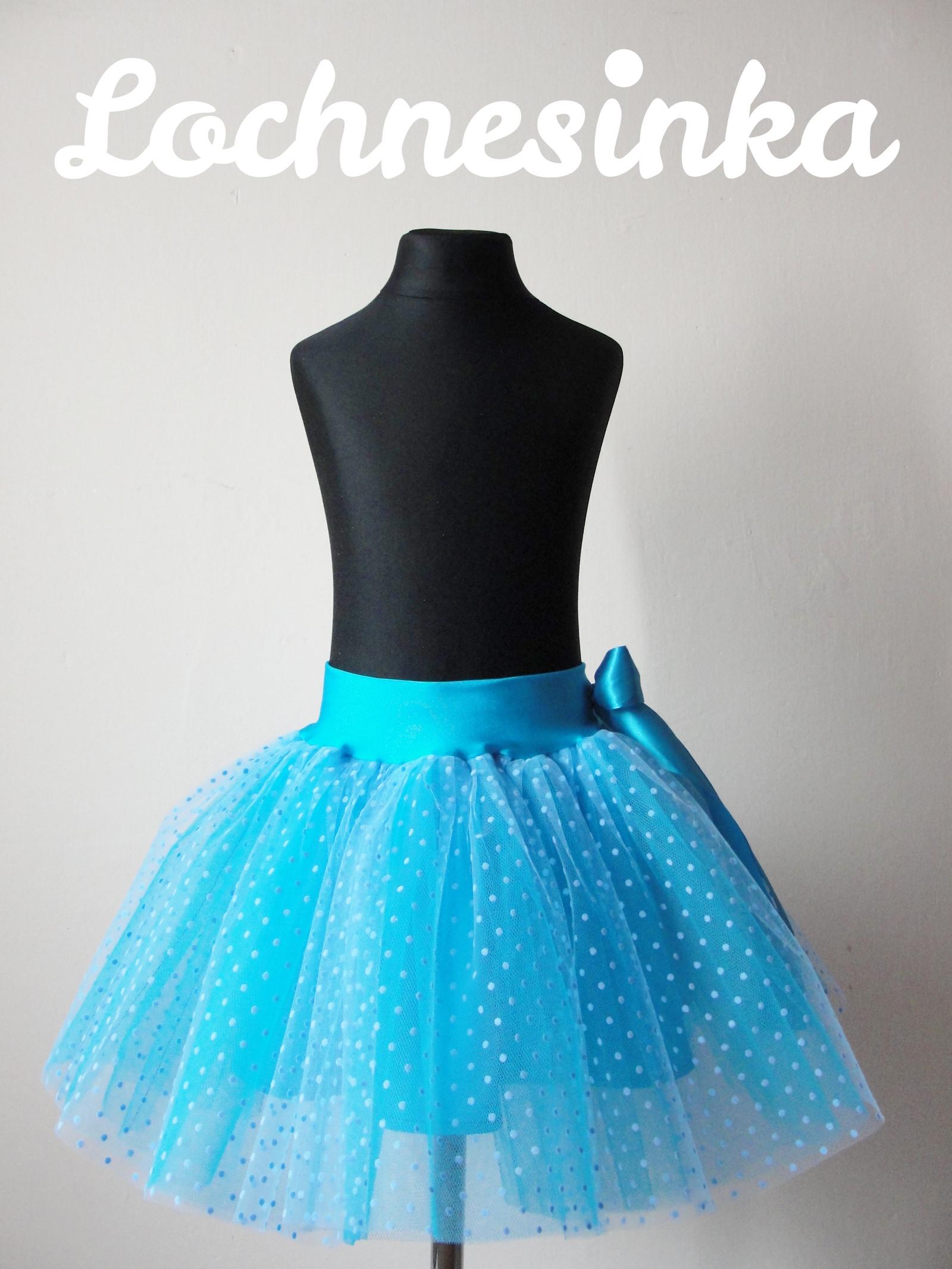 Tylová sukně modrá puntíkovaná   Zboží prodejce Lochnesinka  2b3acd20b1