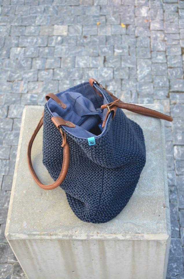 5c985f21b3 pletená taška s koženými uchy - modrá   Zboží prodejce freeda.freeda ...