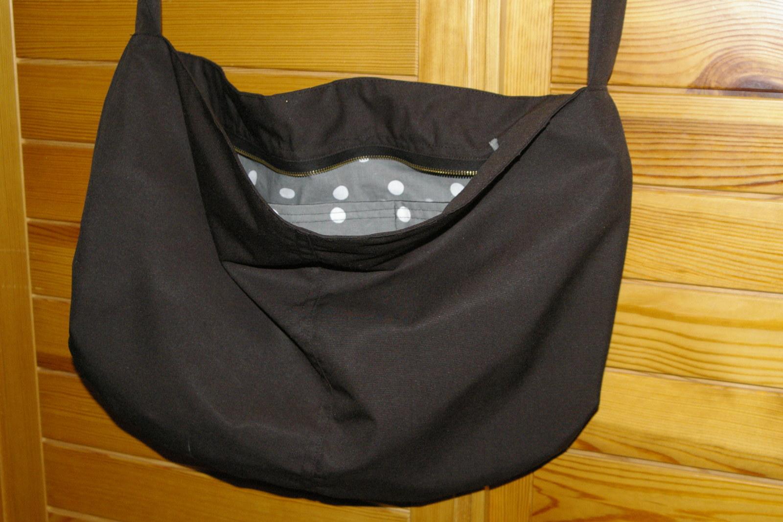 2d0a8aeb9 Jarní černá plátěná taška přes rameno / Zboží prodejce Papprikki ...