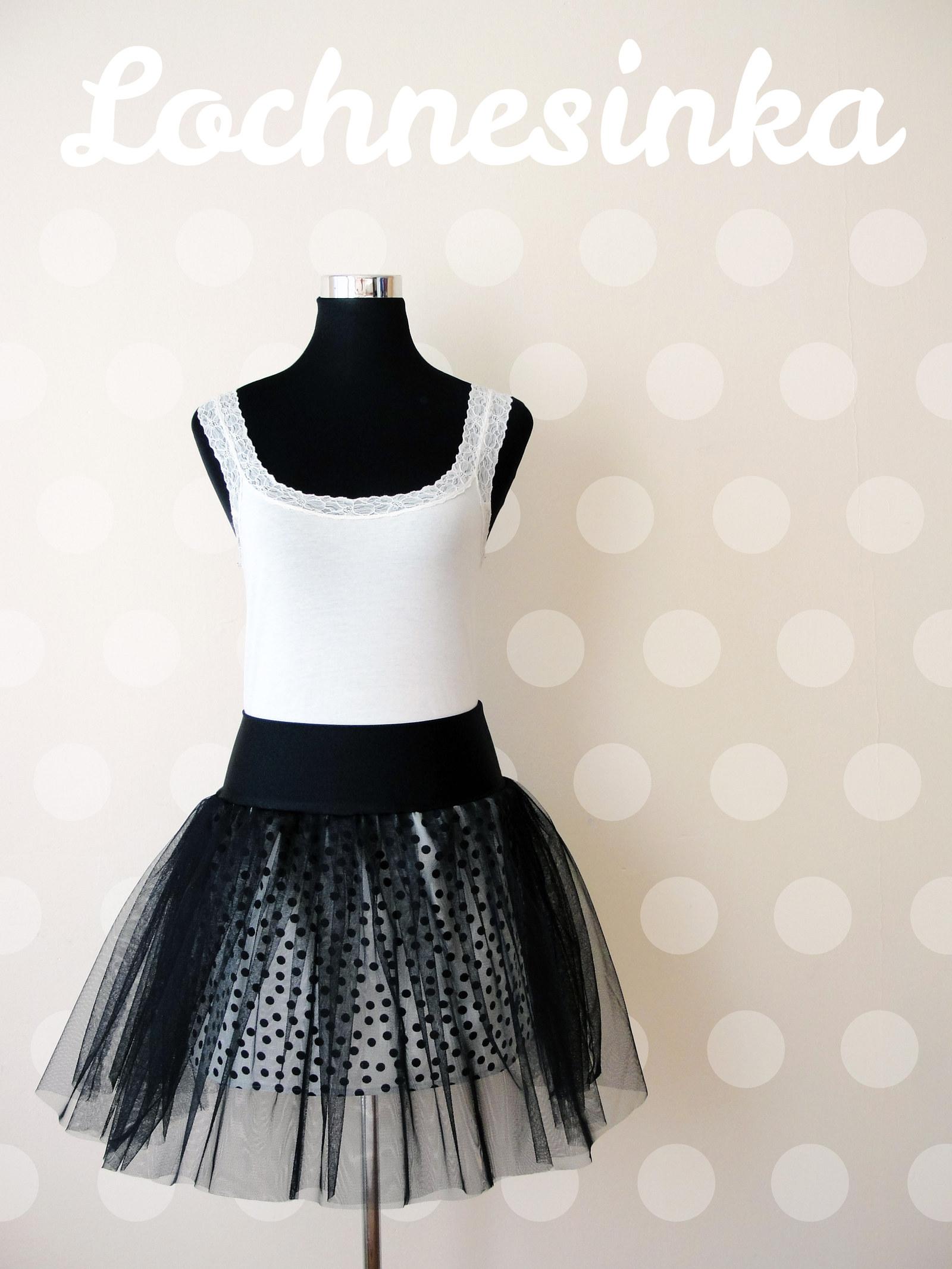 Tylová sukně černá bílá s černým puntíkem   Zboží prodejce ... 34f940f572