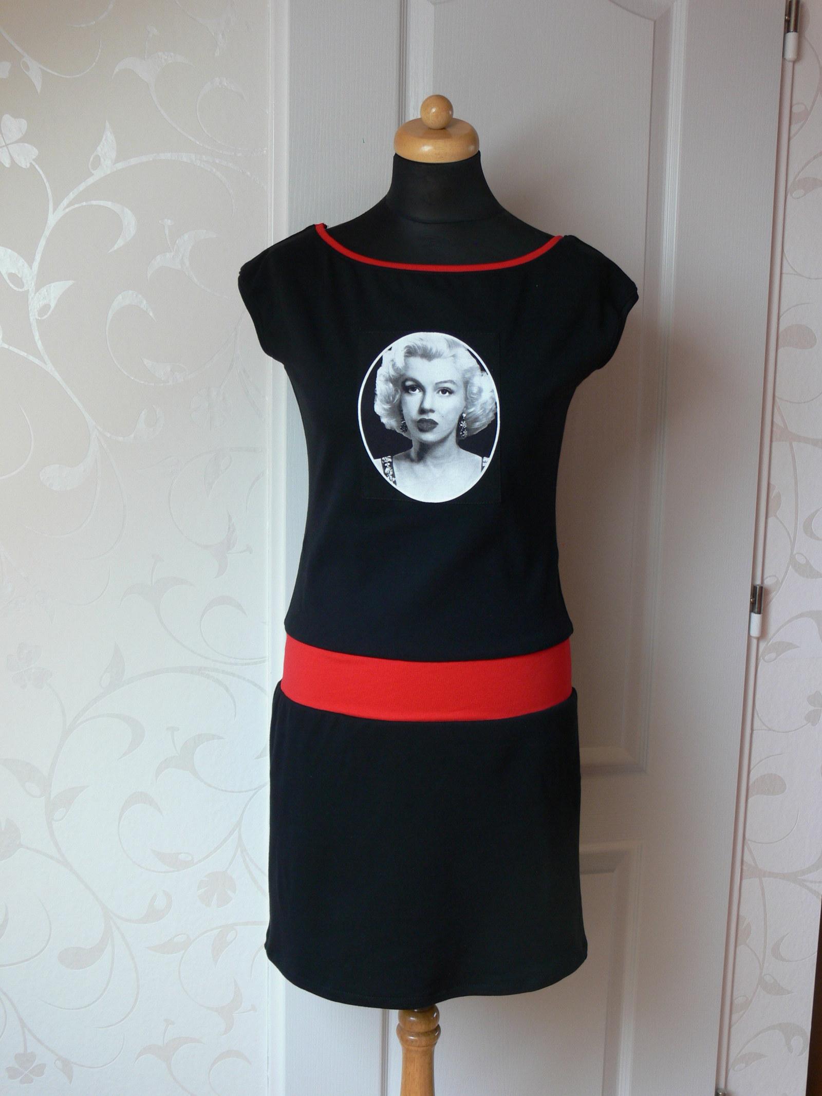 4a92a9b6cd02 Šaty s Marilyn Monroe   Zboží prodejce Madalein