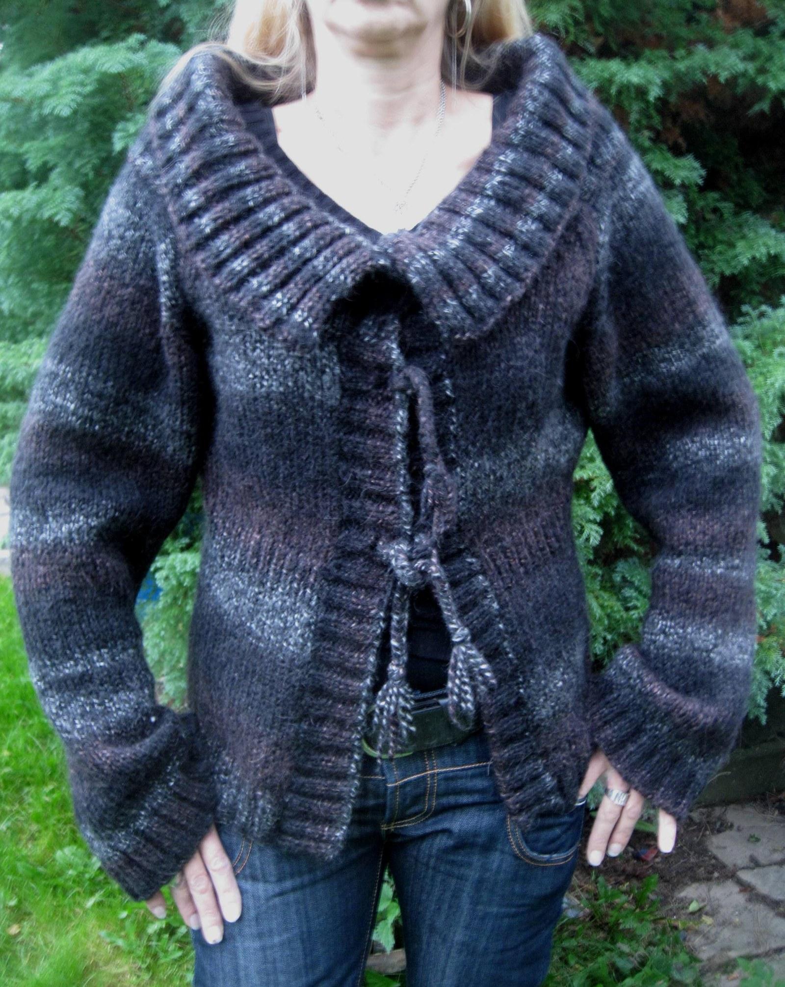 9cbdf1b00880 Dámský ručně pletený svetr-kabátek   Zboží prodejce SeSimo